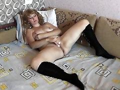 Fidget spinner in pussy. Wet...