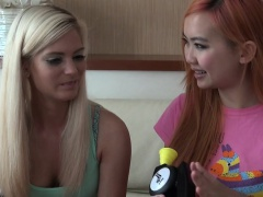 Candee Licious plays Bop It!...