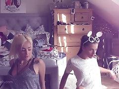 3 Girls Periscope Style Dance,...