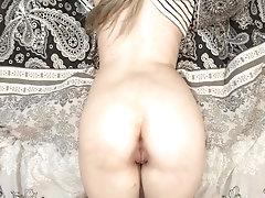 Sensual oiled assjob close up...
