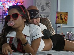 Petite Lupe Fuentes in action....