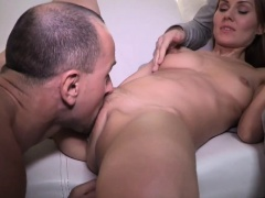 Older Man Muffdives His Girlfriend