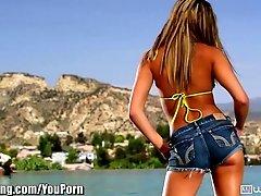WebYoung Wet Teen Lesbians Lick...
