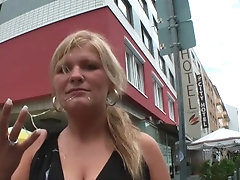 Blowjob and Sperma Walk during...
