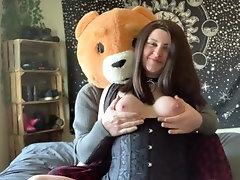 Meet my new assistant! (Teddy...